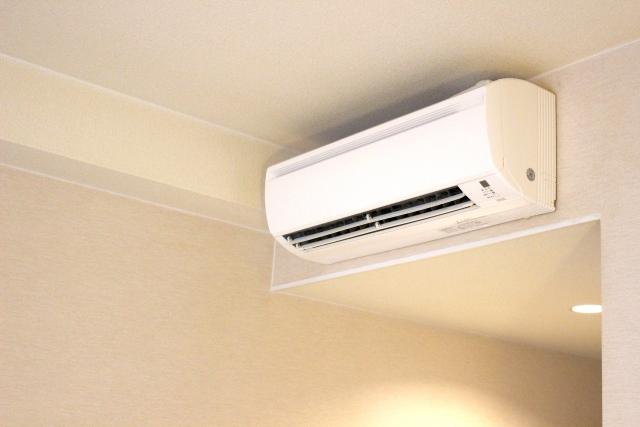 エアコンの修理は買い替えよりもお得!費用の比較と掃除・修理方法