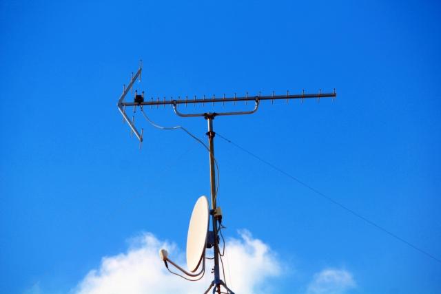 テレビアンテナの修理方法は?故障の原因から業者の修理費用まで解説