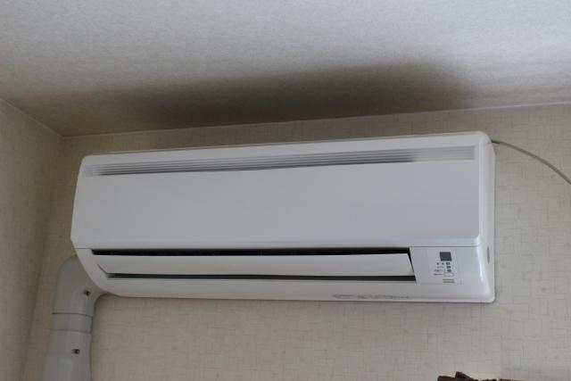 エアコンの配管カバーが必要な理由!取り付け費用の相場もご紹介
