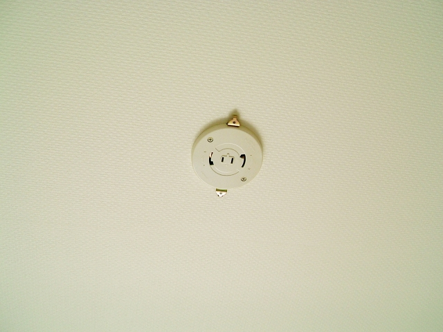 取り付けたい天井照明の種類によって必要な配線器具が決まる