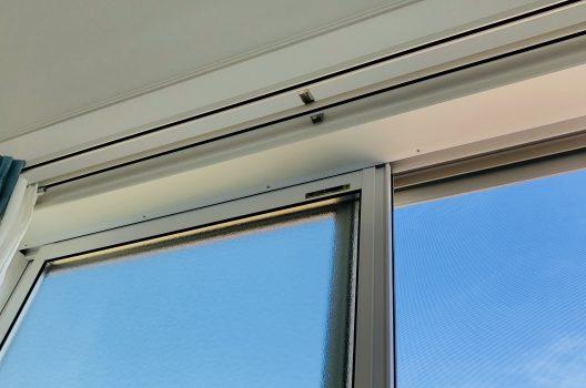 施工手順1.取り付け枠を窓枠に固定する