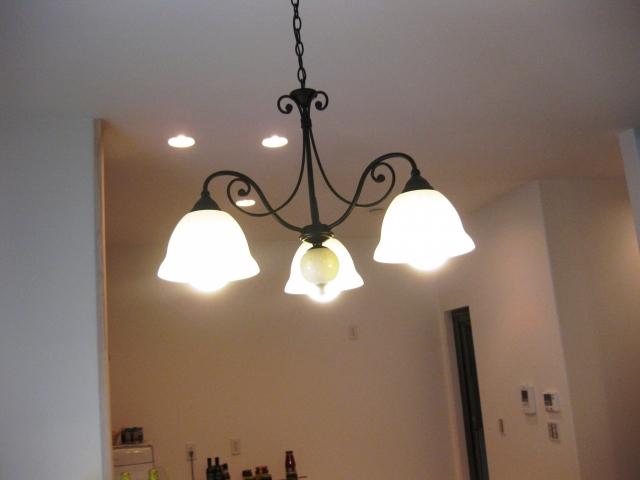 古い照明器具を交換しよう!シーリングライトなどの取り付けについて