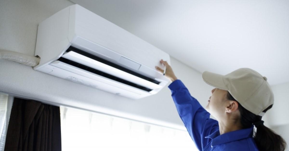 工事不要!窓用エアコンの取り付け方法を解説!隙間の対処法も紹介!